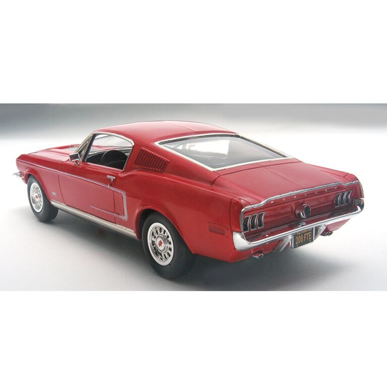 Revell 68 Ford Mustang Gt 2N1 - Maquette