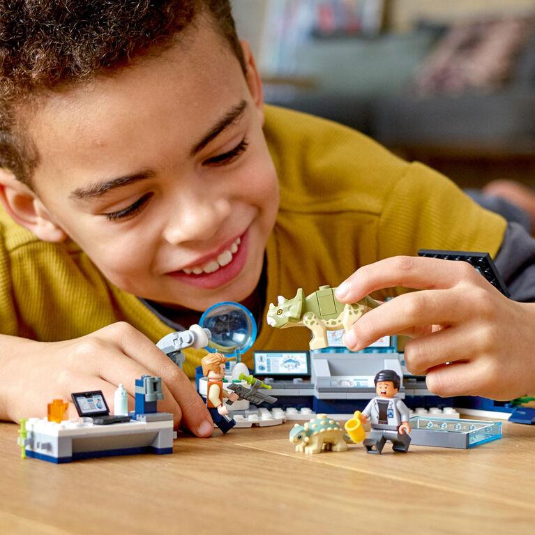 LEGO Jurassic World Le labo de Dr Wu : l'évasion des bébés d 75939