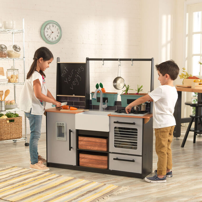 Farm to Table Play Kitchen with EZ Kraft Assembly