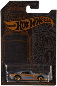 Hot Wheels - Véhicule Pontiac Firebird Custom 1967 - les motifs peuvent varier