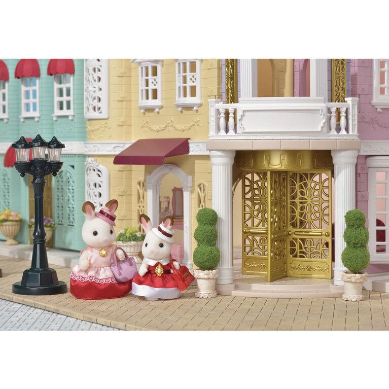 Calico Critters - Duo de figurines avec tenues