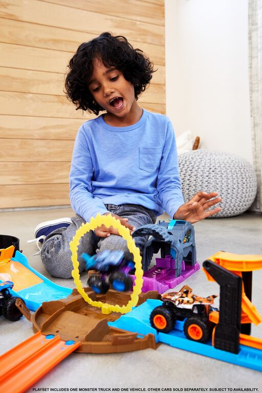 Hot Wheels Monster Trucks Pit And Launch Bone Shaker Play Set