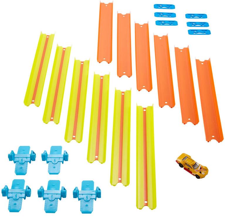 Hot Wheels Track Builder Fold Up Track Pack Assorted