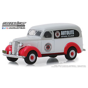 1:64 Running On Empty - 1939 Chevrolet Panel Truck