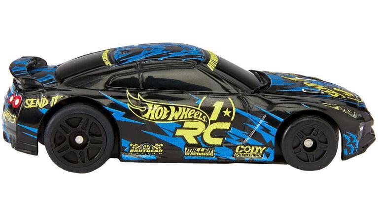 Hot Wheels - Véhicule téléguidé Nissan GT-R (R35) 2017, échelle 1:64