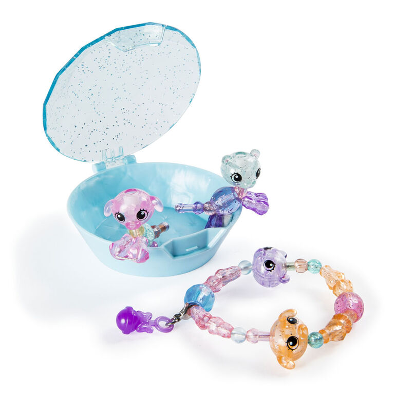 Twisty Petz, Series 2 Babies 4-Pack, Polar Bears and Puppies Collectible Bracelet and Case (Blue)