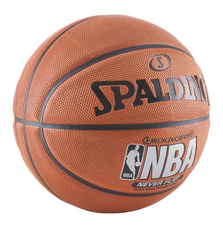 Ballon de basketball NBA SGT Neverflat Hexagrip