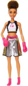 Poupée Barbie Boxeuse brunette avec tenue de boxe et gants de boxe roses