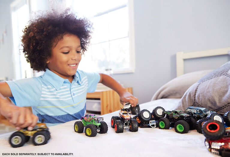 Hot Wheels Monster Trucks - Styles May Vary - English Edition