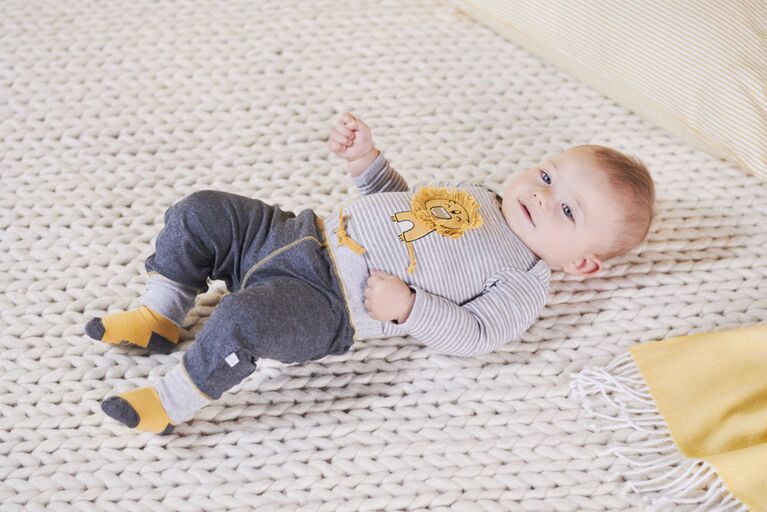 Just Born Baby Boys 2-Piece Organic Long Sleeve Onesies Bodysuit and Pant Set - Lil Lion 6-9 Months