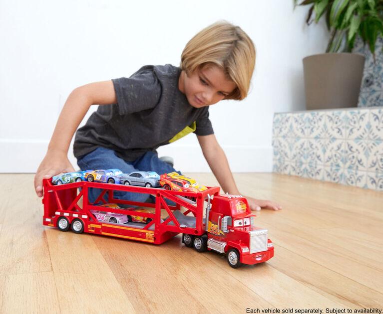 Disney/Pixar Cars Launching Mack Transporter