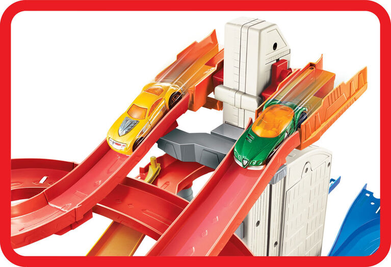 Hot Wheels Auto Lift Expressway Playset - R Exclusive