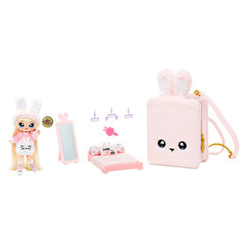 Na! Na! Na! Surprise 3-in-1 Backpack Bedroom Pink Bunny Playset with Limited Edition Doll