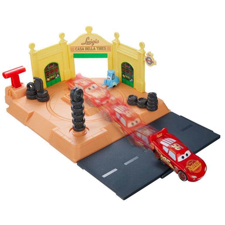 Disney Pixar - Les Bagnoles - Coffret de jeu L'Atelier de pneus de Luigi