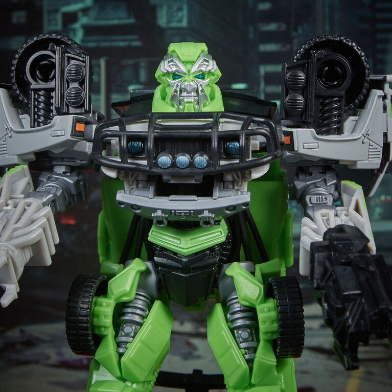 Transformers Studio Series 16 Deluxe Class Transformers: Dark of the Moon Autobot Ratchet