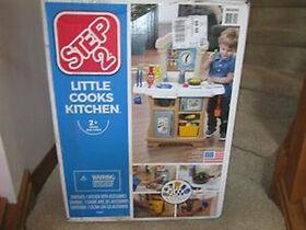 Step2 - Little Cooks Kitchen - R Exclusive
