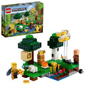 LEGO Minecraft The Bee Farm 21165