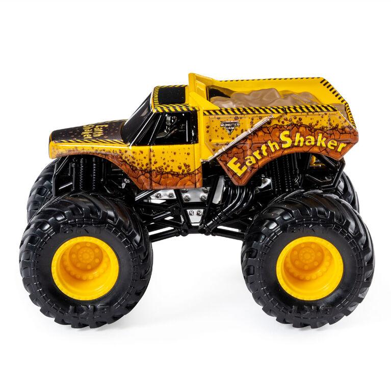 Monster Jam, Official Radical Rescue vs. Earth Shaker Die-Cast Monster Trucks, 1:64 Scale, 2 Pack