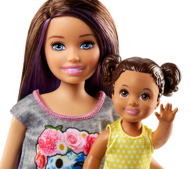 Coffret Poussette Les Gardiennes Barbie et Skipper.