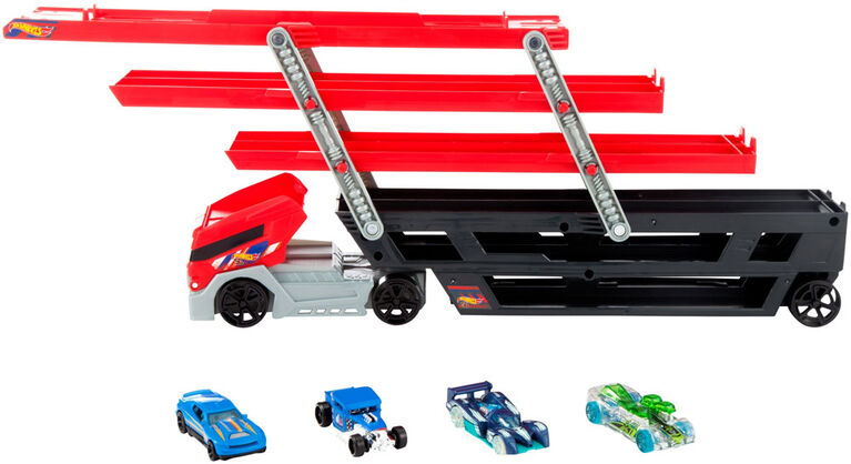 Hot Wheels - Mega Hauler and 4 Hot Wheels Vehicles