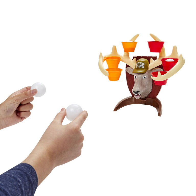 Deer Pong Game, Features Talking Deer Head and Music, Includes 6 Party Cups And 6 Balls (French Version)