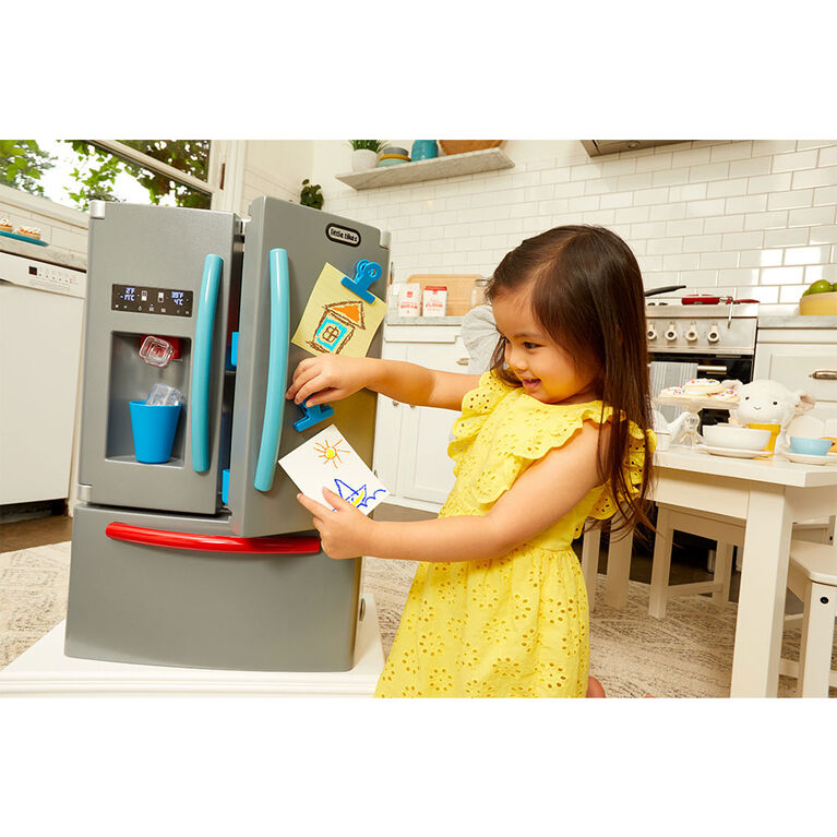Little Tikes First Fridge Realistic Pretend Play Appliance for Kids - English Edition