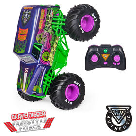 Monster Jam, Official Grave Digger Freestyle Force, Remote Control Car, 1:15 Scale