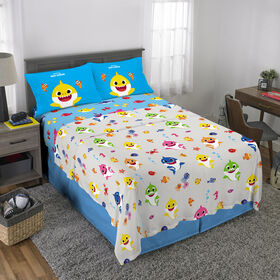 "Baby Shark ""Shark Family"" Full Sheet Set"