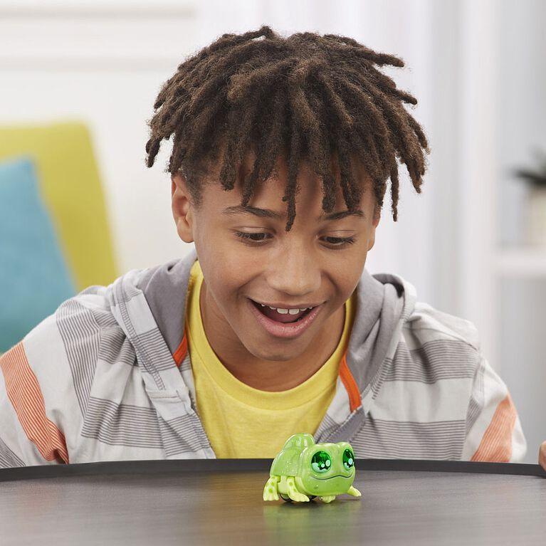Yellies! Sal E. Mander Voice-Activated Lizard Pet