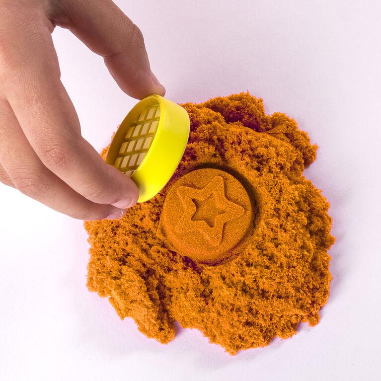 Kinetic Sand, Coffret Pâtisserie avec 454g (1lb) de Kinetic Sand et 16outils