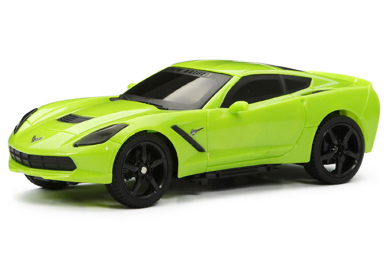 Corvette Stingray, voiture de sport toutes fonctions RC 1/24 New Bright.