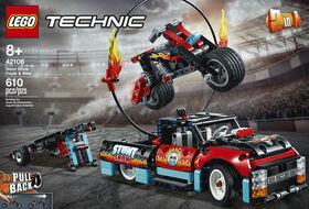 LEGO Technic Le spectacle de cascades du camion et de 42106