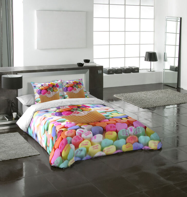 Gouchee Design - Cupcake Digital Print Queen Duvet Cover Set