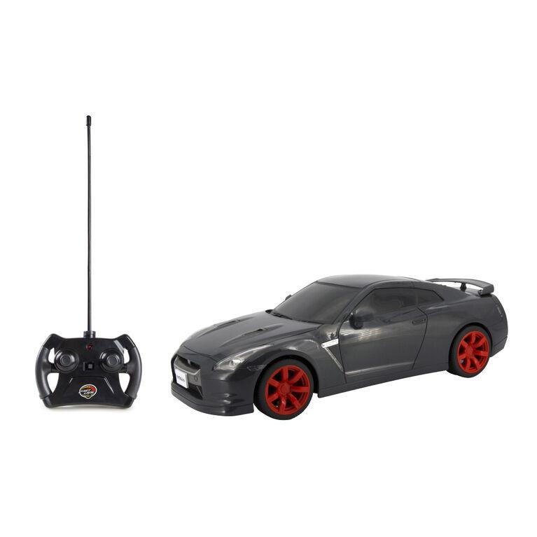 Fast Lane RC - 1:16 RC Tuner Car - Nissan GTR