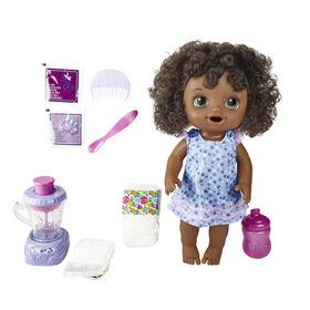 Baby Alive, Bébé et son mélangeur magique, boit, mange et fait pipi, avec tourbillon de baies et mélangeur