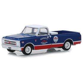 1:64 Running on Empty Series 7 - 1968 Chevrolet C-10 - Chevron