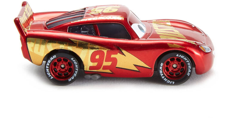 Disney Pixar Cars 3 Rust Eze Racing Center Lightning Mcqueen Die