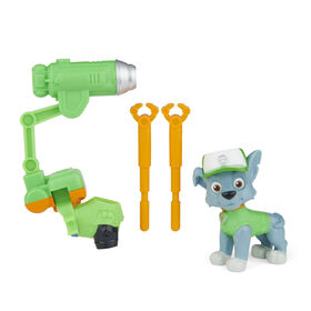PAW Patrol, Movie Collectible Rocky Action Figure with Clip-on Backpack and 2 Projectiles
