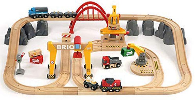 Brio Cargo Railway Deluxe Set - English Edition