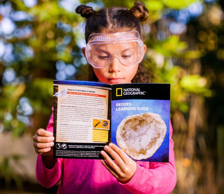 National Geographic Break Open 2 Geodes