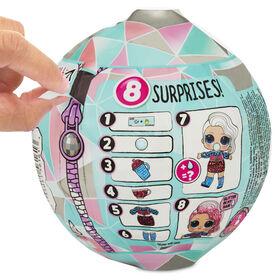 Poupée L.O.L. Surprise! Glitter Globe de la série Winter Disco avec cheveux scintillants