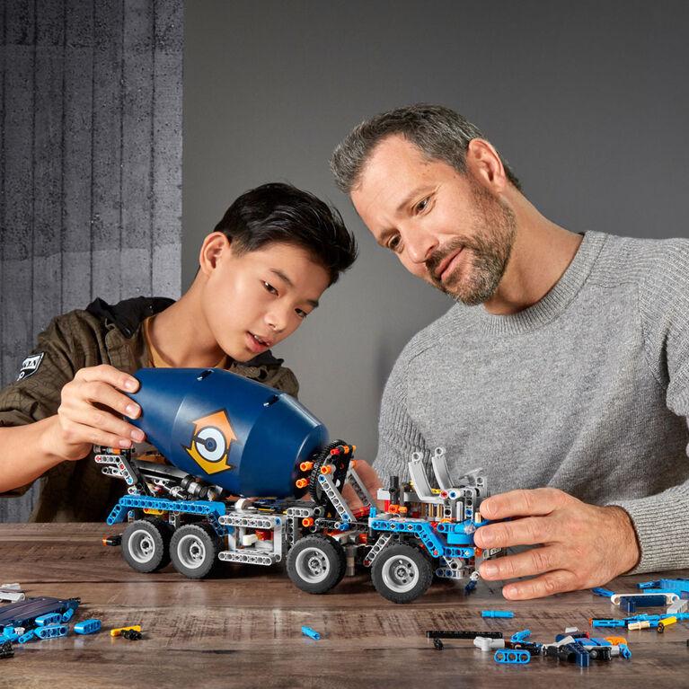 LEGO Technic Le camion bétonnière 42112
