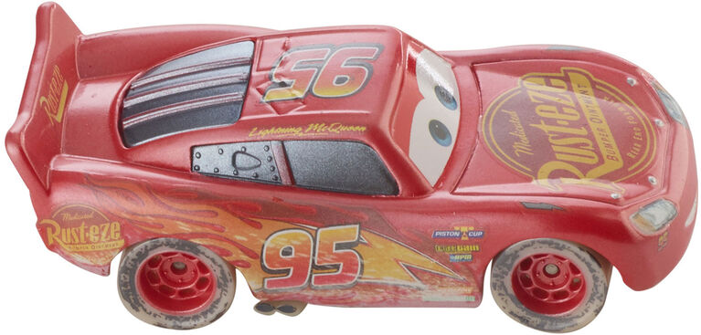 Disney/Pixar Cars Fireball Beach Racers Lightning McQueen Vehicle