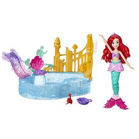 Disney Princess - Jeu Lagune étincelante, poupée Ariel incluse