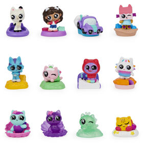 DreamWorks Gabby's Dollhouse, Surprise Blind Mini Figure and Accessory Stand (Style May Vary)