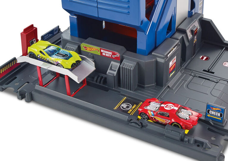 Hot Wheels Mega Garage Play Set