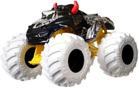 Hot Wheels Monster Trucks 1:24 Steer Clear Vehicle