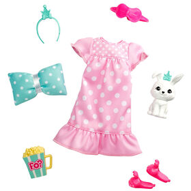 Barbie Princess Adventure Fashion Pack with Slumber Party Outfit, Pet and 4 Accessories