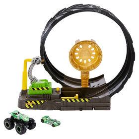Hot Wheels - Monster Trucks - Coffret de jeu Défi Boucle épique avec camion et voiture