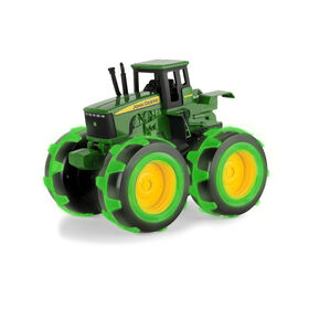 Monster Treads Lightning Wheels de John Deere - tracteur.